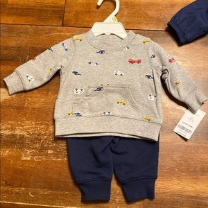 2 (0-3) baby carter's outfits